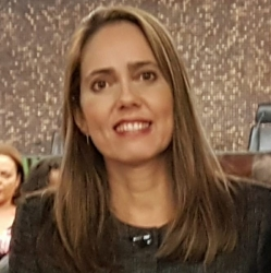 Adriana Maria Câmara de Oliveira